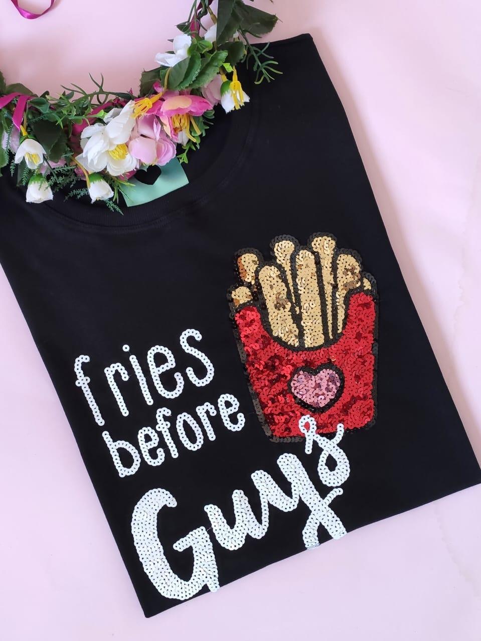 Camiseta Fries Before Guys Preta