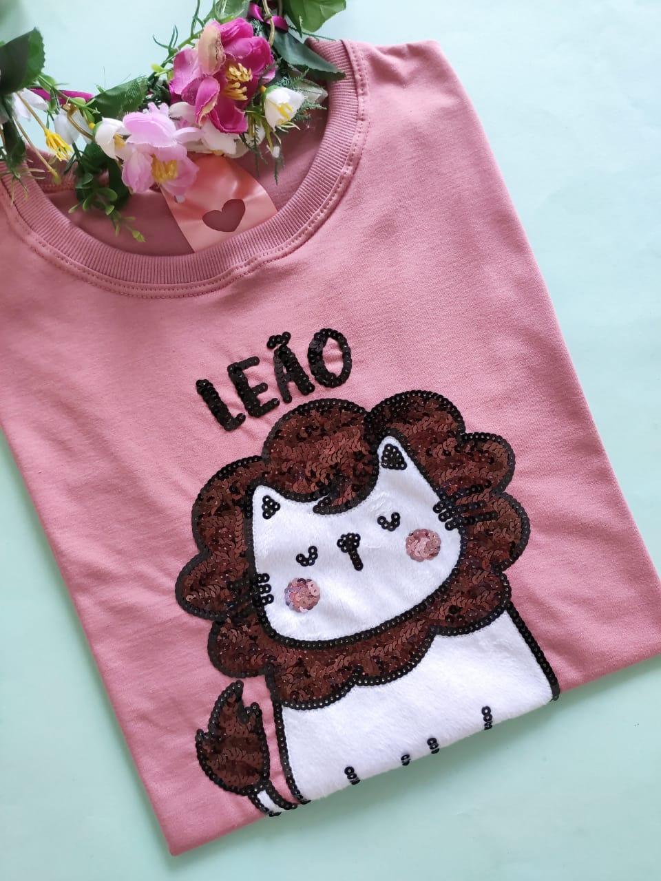Camiseta Leão Rosa Envelhecido Escuro