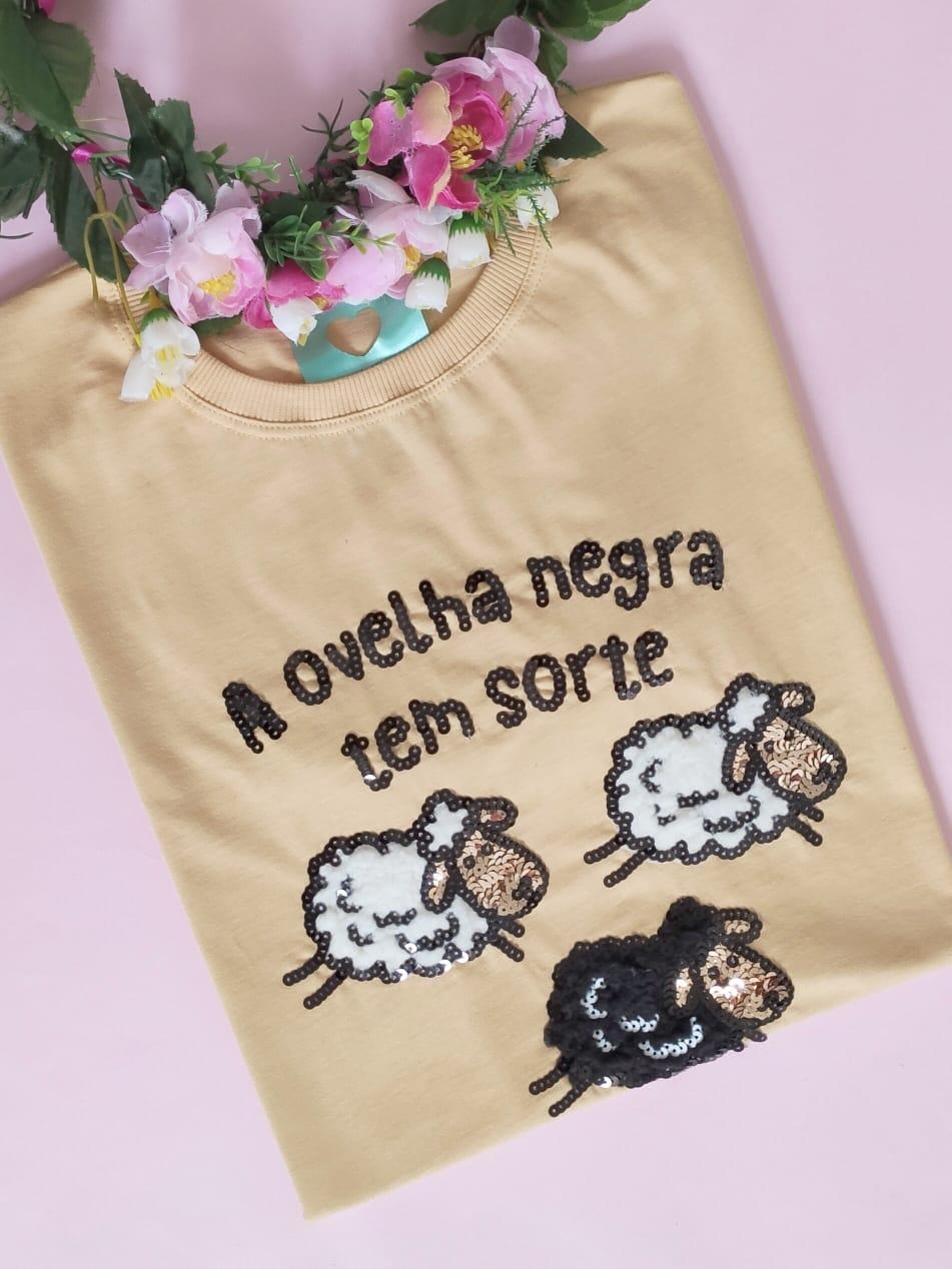 Camiseta Ovelha Negra Creme