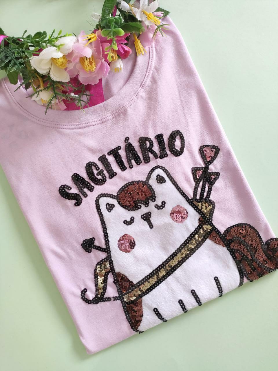 Camiseta Sagitario Lilás Clarinho