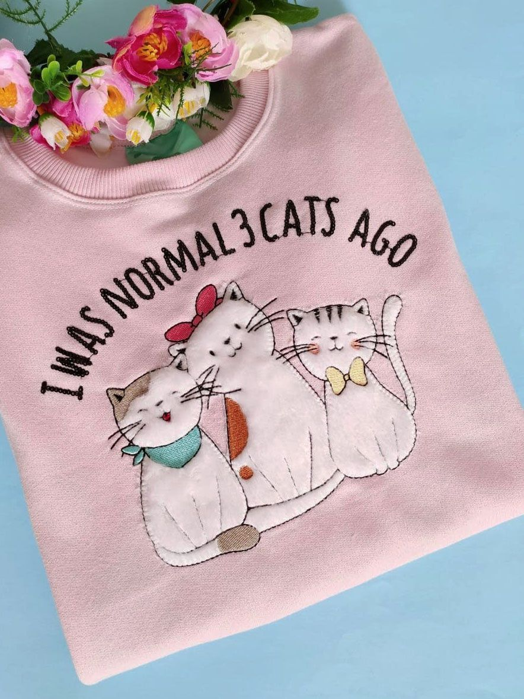 Moletom I Was Normal 3 Cats Ago Rosa