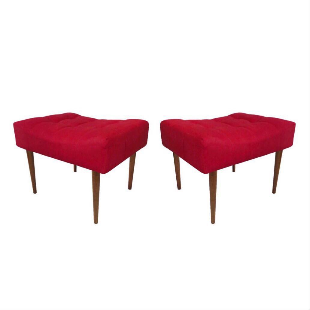 Kit 02 Puff Decorativo Retangular com pés madeira Vermelho
