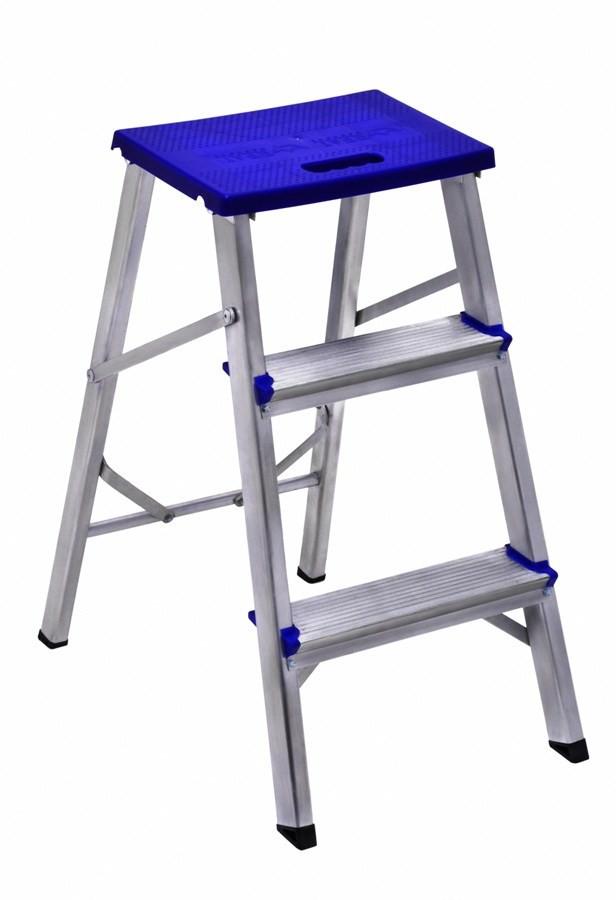 Escada banqueta em Alumínio Com 3 Degraus-real