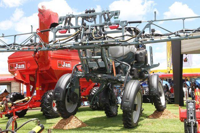 Pulverizador Autopropelido SPARTAN 4x4
