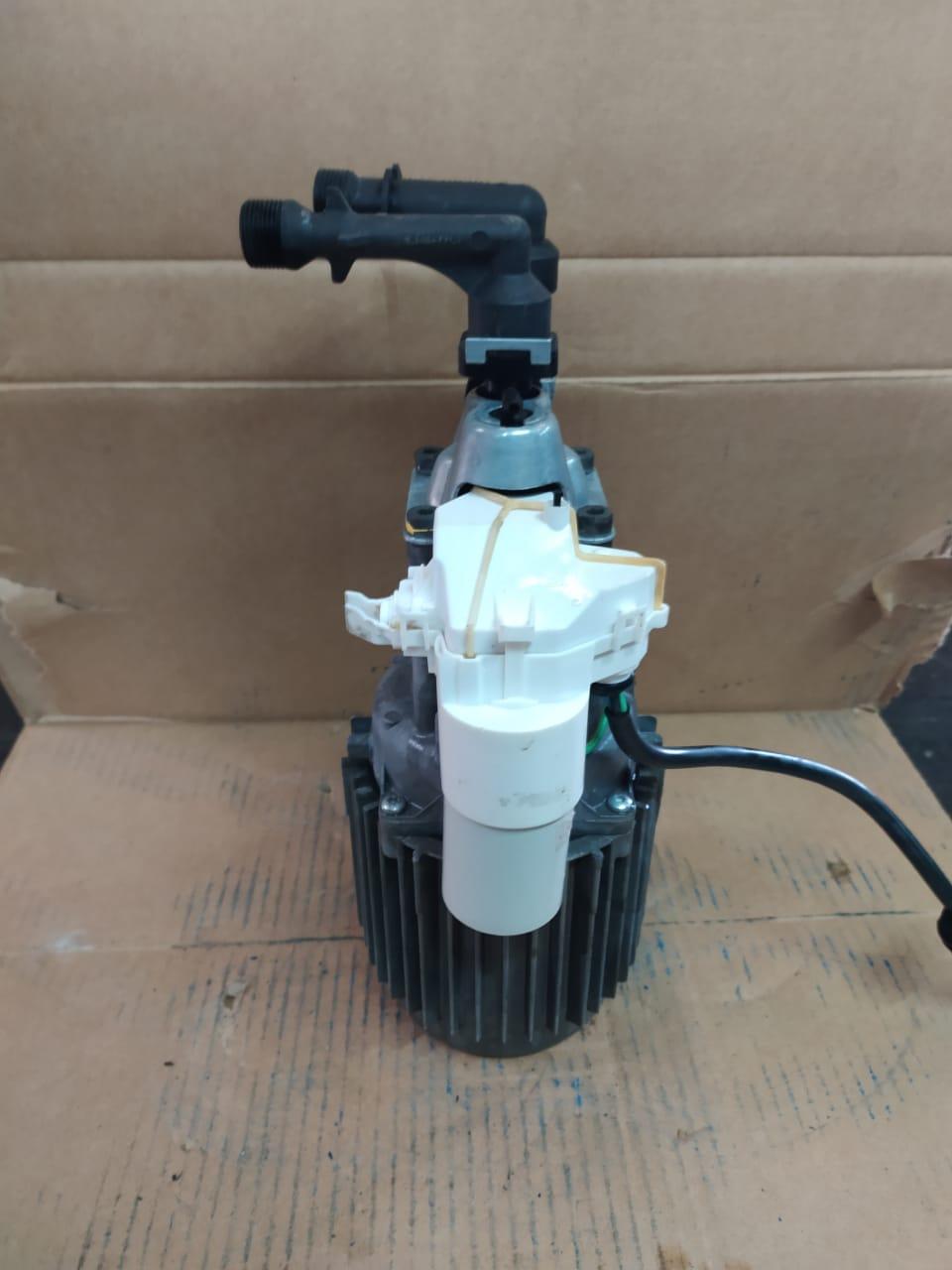 Lavadora de Alta Pressão Karcher k 398 110V 127V Motor Indução Usado
