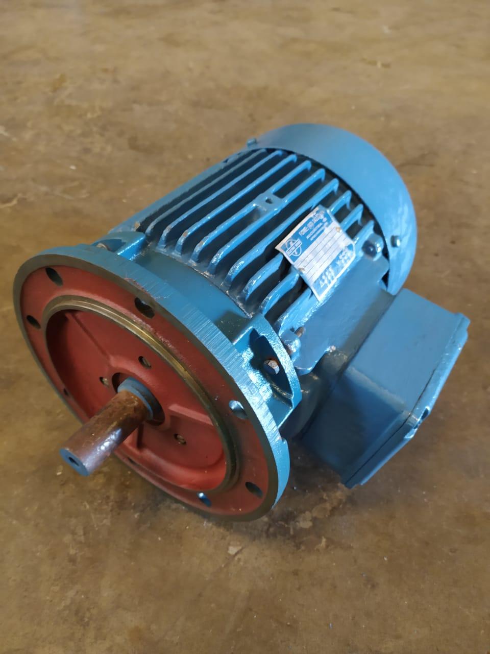 Motor Eberle Trifásico 7.5cv 2 Polos 3540Rpm Blindado 220V 380V C/ Flange FF 112 Usado