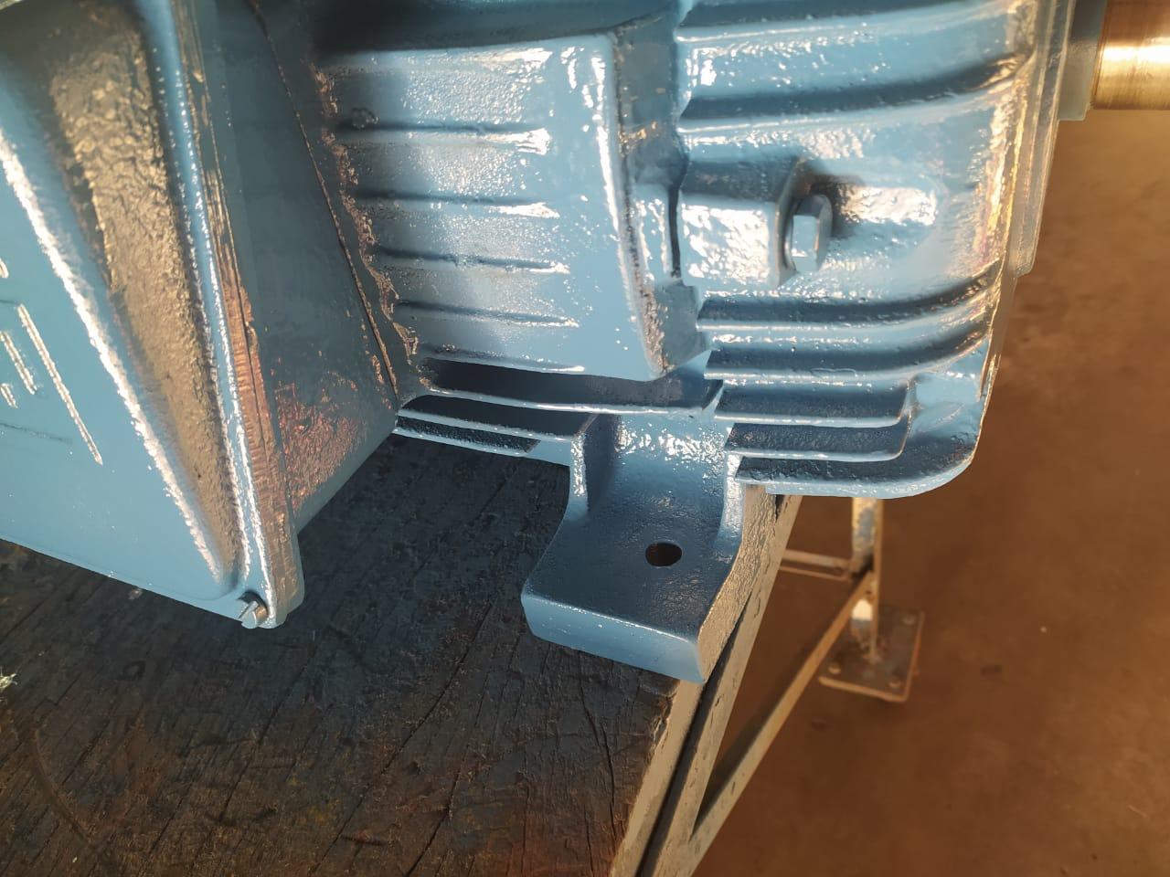 Motor Elétrico Weg 30 Cv 4 Polos 1750 Rpm Usado Tensões  220/380/440/760V Baixa Rotação