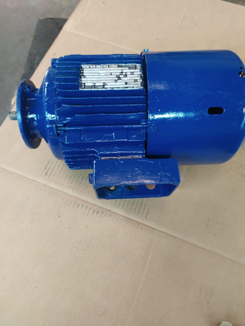 MotoFreio Motor SEW Trifásico 2CV 1.5KW 4 Polos 1720Rpm Blindado Flange Din 80 B14 220V Usado