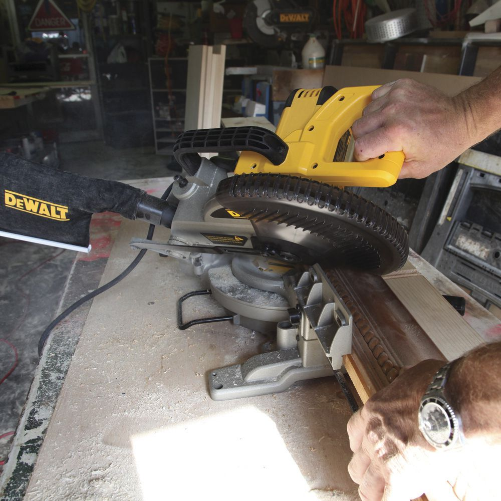 """Serra Meia Esquadria 10"""" Polegadas  1650W DW714 Dewalt 4600 RPM 110V"""