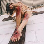 Cristo Crucificado (estilizado) - 220 cm