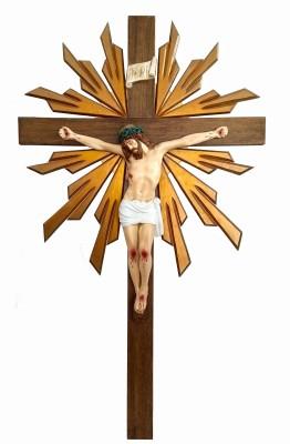Crucifixo: 110 cm | Corpo: 055 cm (com resplendor)