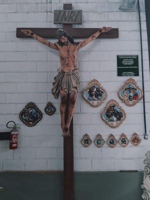 Crucifixo: 400 cm | Corpo: 230 cm | Cruz: 400 cm