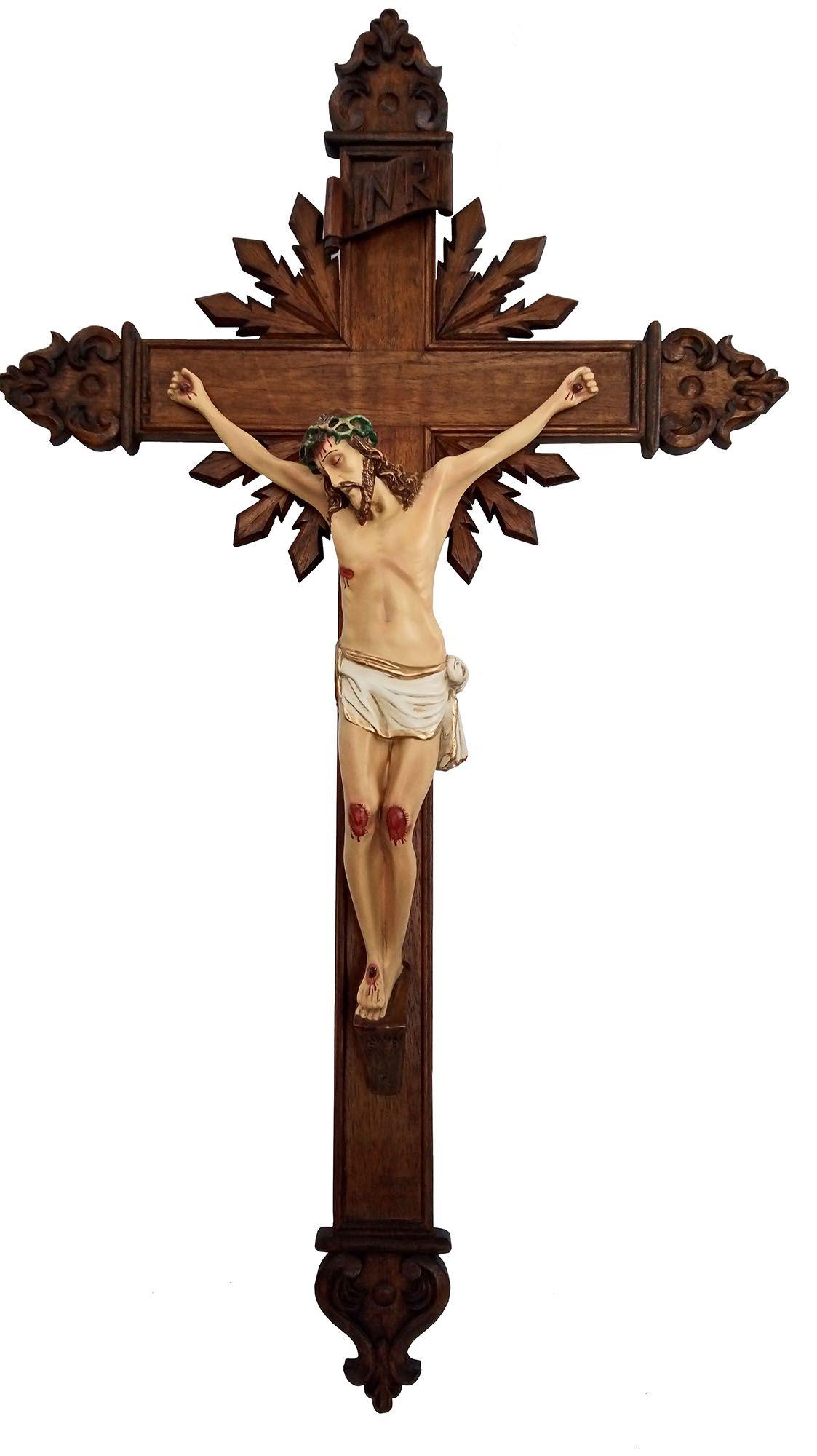 Crucifixo: 140 cm | Corpo: 70 cm (cruz entalhada com resplendor)