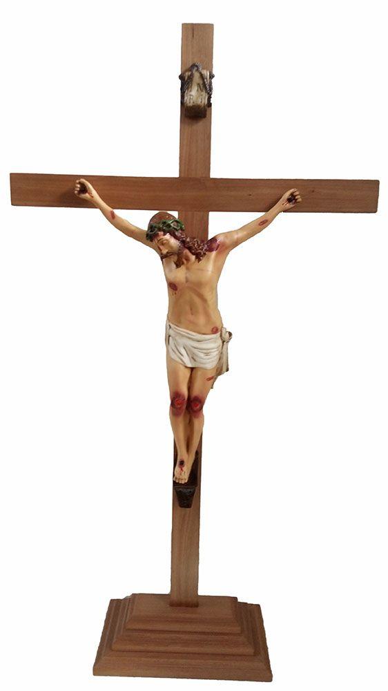 Crucifixo: 150 cm | Corpo: 070 cm (com base)