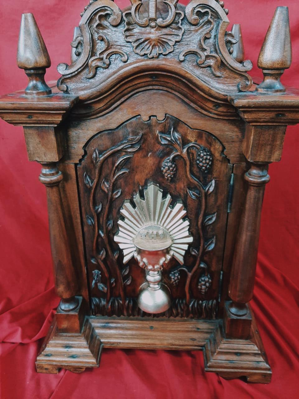 Sacrário de Madeira Jequitibá - 102 cm