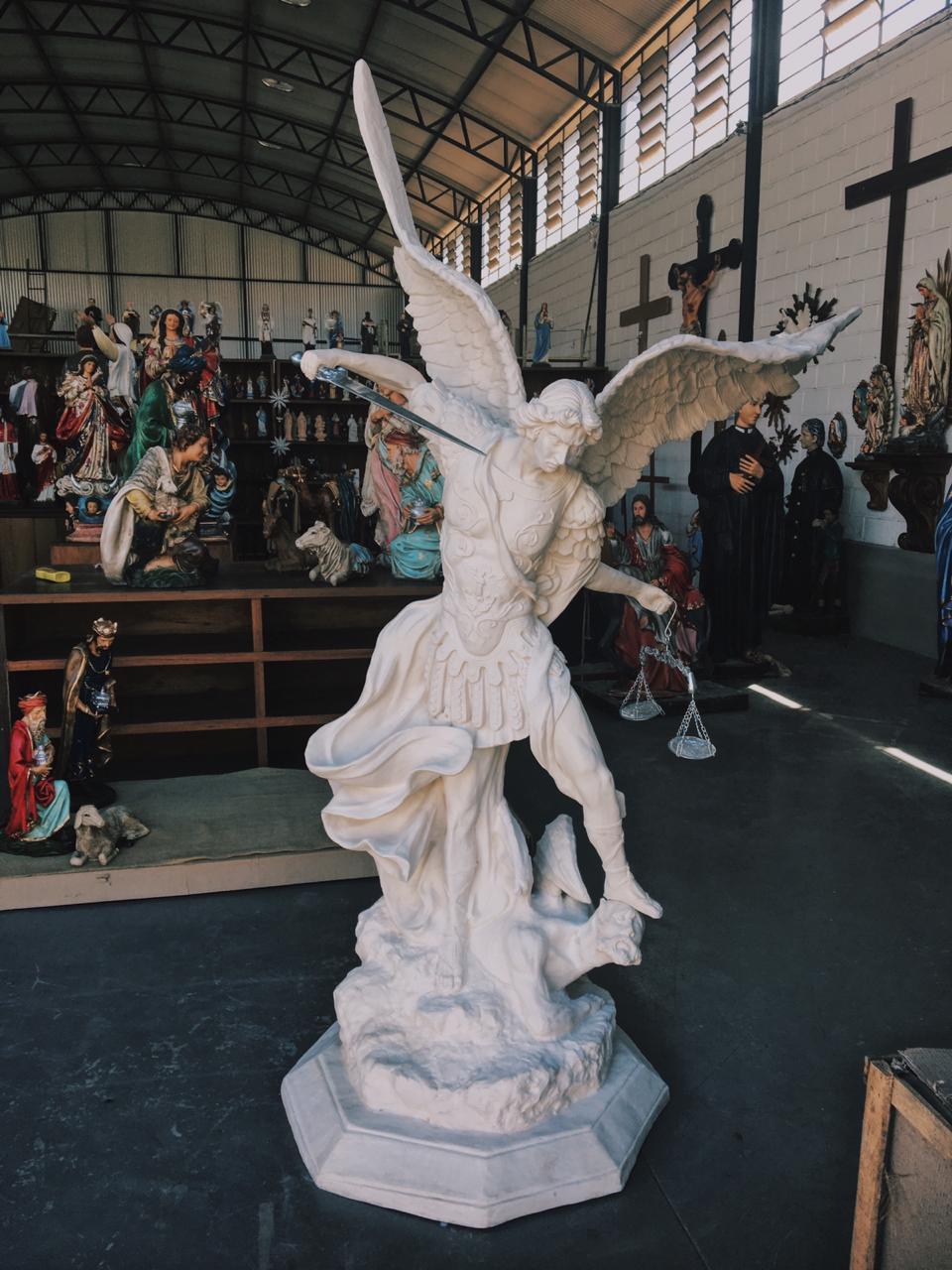 São Miguel (pó de mármore) - 230 cm