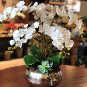 Arranjo de Orquídea Branca de Silicone com Vaso de Inox