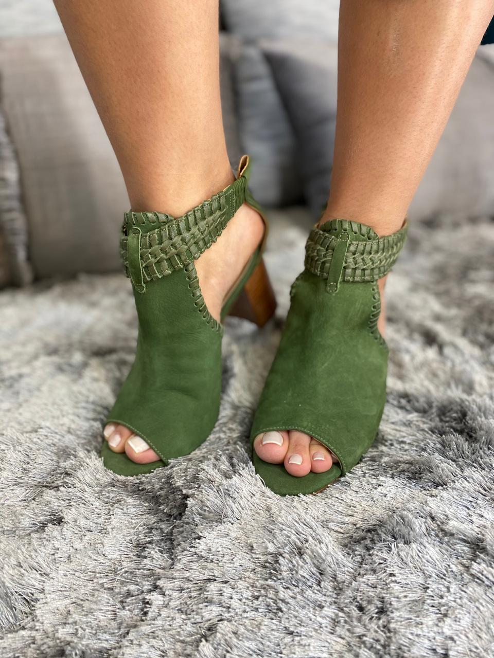 Sandália boot camurça