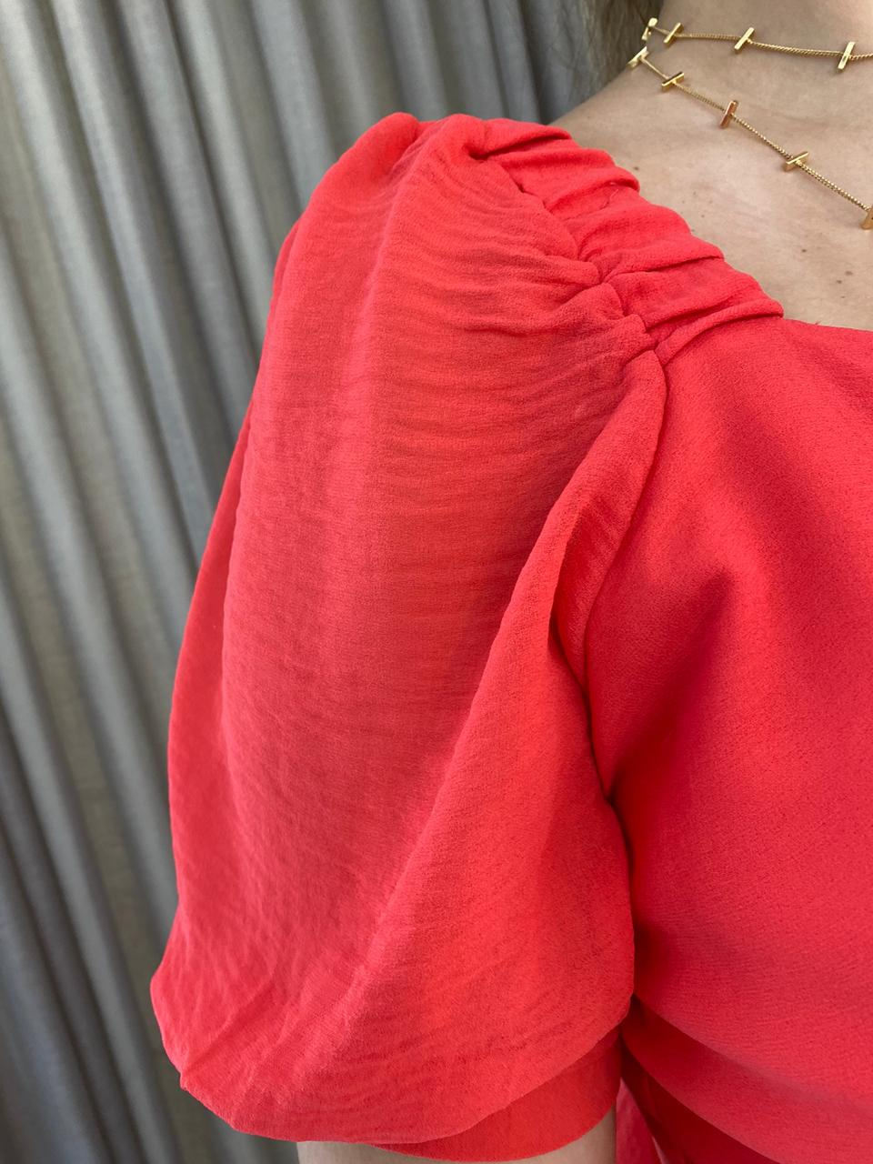 Vestido Plissado Decote Quadrado