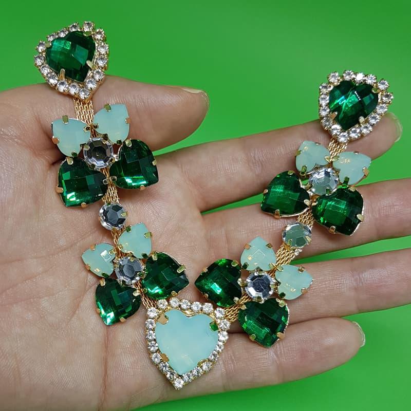 Cabedal Luxo V - Corações para Amar Strass Mesclado (Verde Bandeira e Verde Água)