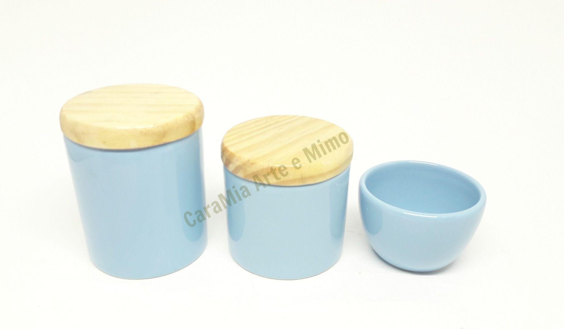 Kit Higiene Bebê Cerâmica | Azul Bebê | Tampas Madeira Pinus Natural