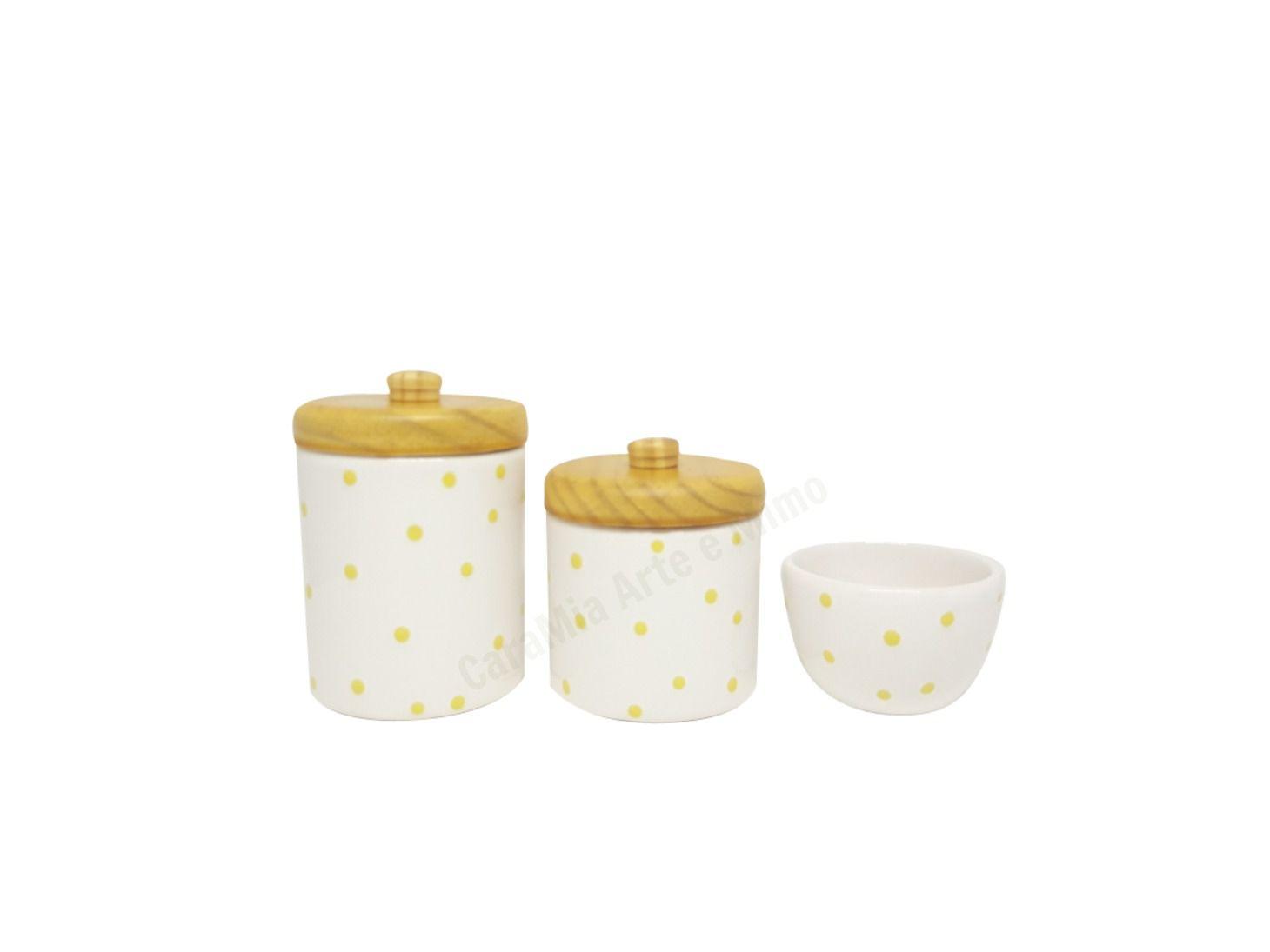 Kit Higiene Bebê Cerâmica Branco com Poá Amarelo |Tampas Pinus