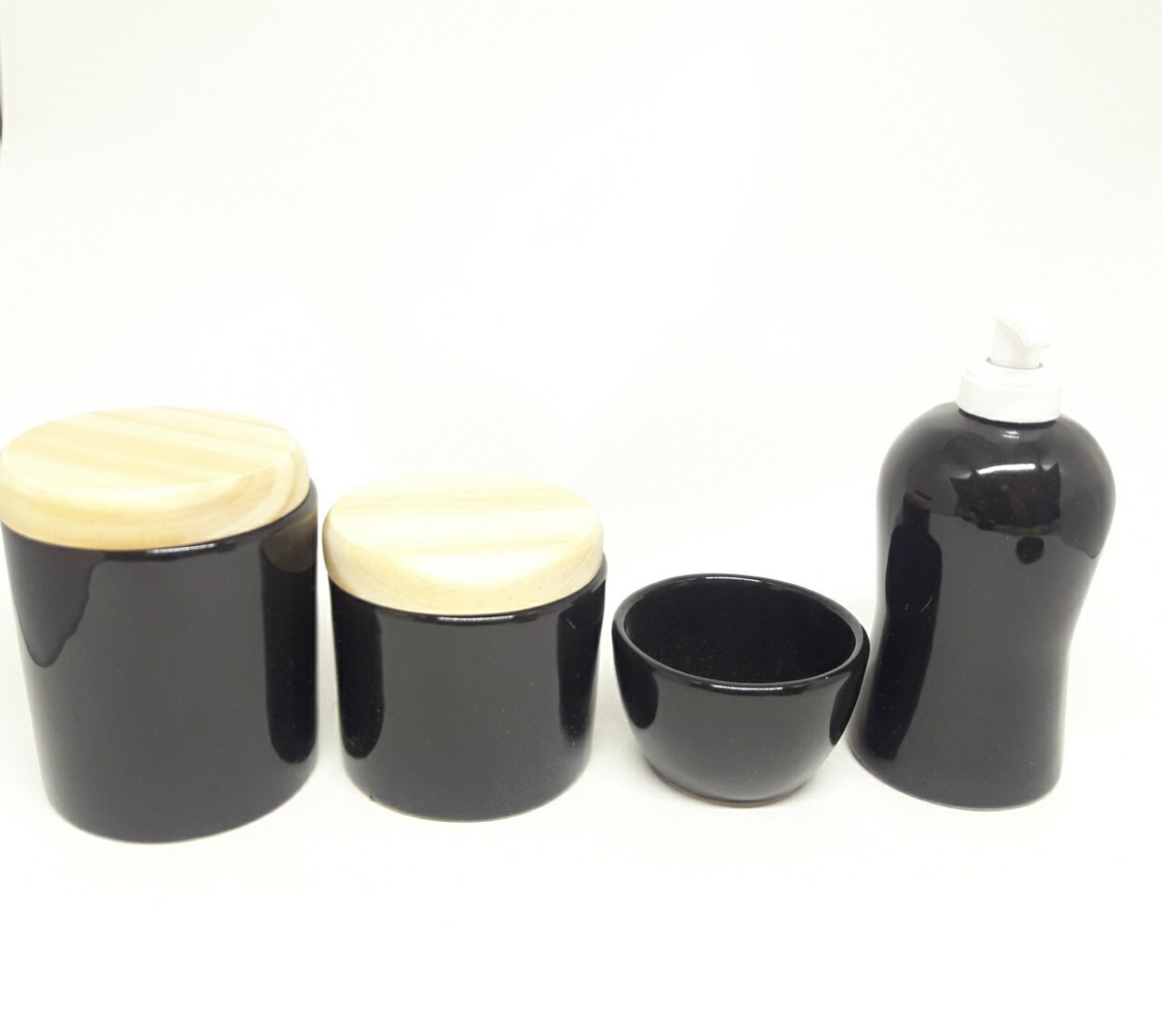 Kit Higiene Bebê Cerâmica Preto com Tampas Pinus