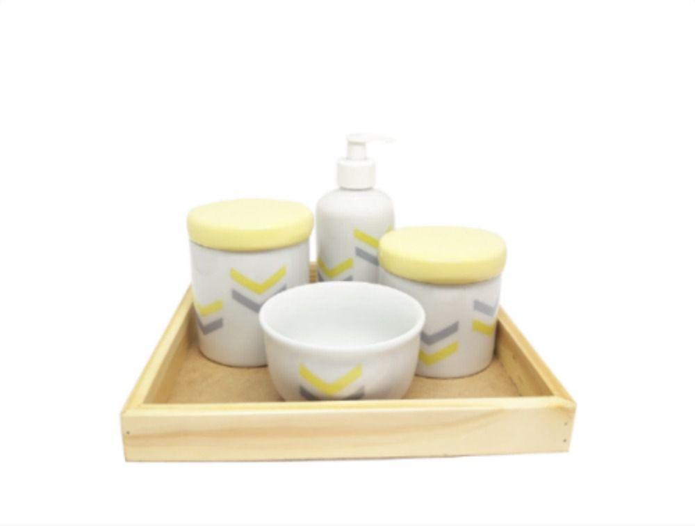 Kit Higiene Bebê Porcelana Amarelo e Cinza com Bandeja Madeira Pinus e MDF