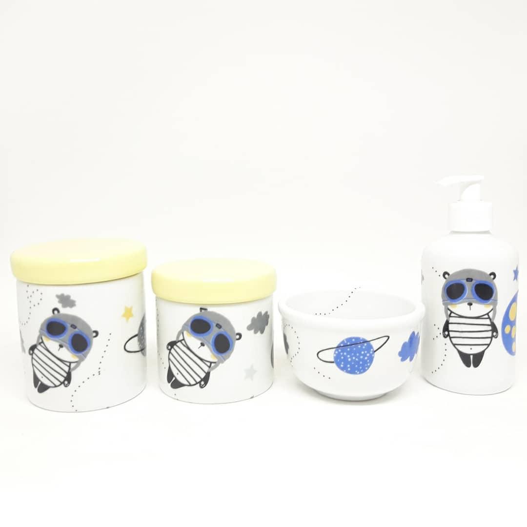 Kit Higiene Bebê Porcelana Astronauta & Planetas & Espaço Tampas Amarelas