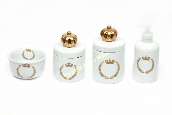 Kit Higiene Bebê Porcelana |Coroa Dourada Brasão com Aplique de Coroa Dourada | 4 Peças |