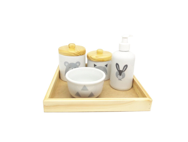 Kit Higiene Bebê Porcelana Escandinavo |Urso e Raposa com Bandeja Pinus