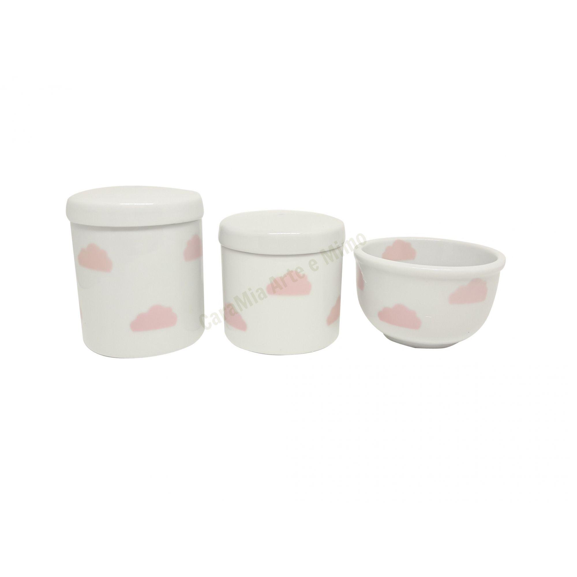 Kit Higiene Bebê Porcelana | Nuvem Rosa | Tampas Brancas com nuvens