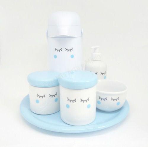 Kit Higiene Bebê Porcelana Olhinhos Cílios | Bochechas Azuis| com Bandeja em Cerâmica e Garrafa Decorada em