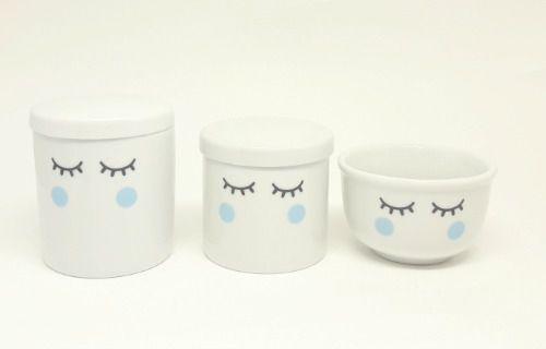 Kit Higiene Bebê Porcelana Olhinhos Cílios c/ bochechas azuis 3 peças