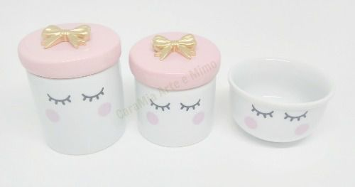 Kit Higiene Bebê Porcelana | Olhinhos Cílios  Com Lacinho Dourado| 3 peças | Rosa