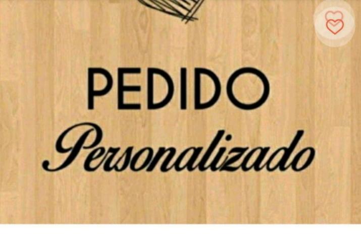 Pedido Personalizado corações + bandeja mdf rosa + garrafa olhinhos