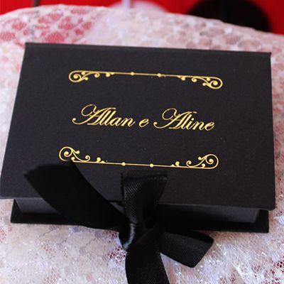 Caixa papel preta personalizada