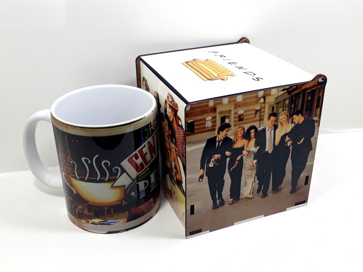Caneca personalizada seriado Friends e caixa de MDF com fotos personalizada