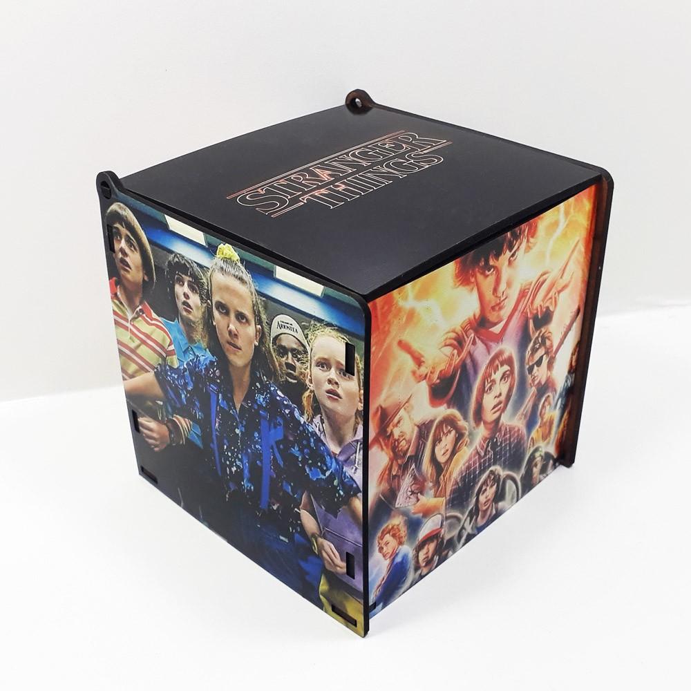 Caneca personalizada série Stranger Things e Caixa MDF personalizada com fotos