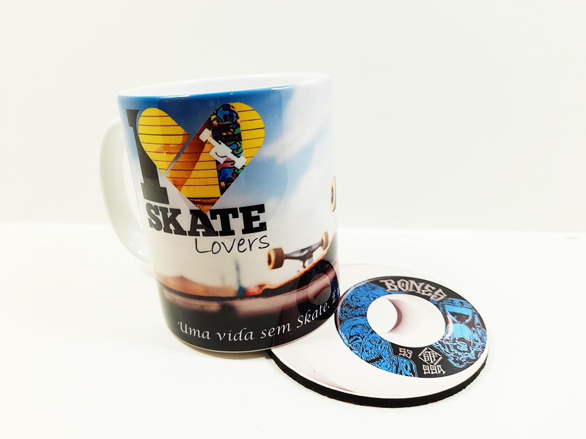 Caneca Presente Skate Lovers com porta copo