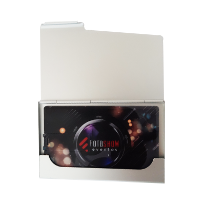 Kit Pencard com estojo de metal - Pendrives Para Fotógrafos -4 GB, 8 GB e 16 GB