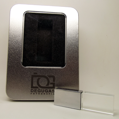 Kit pendrive cristal 8 GB personalizado - 10 peças