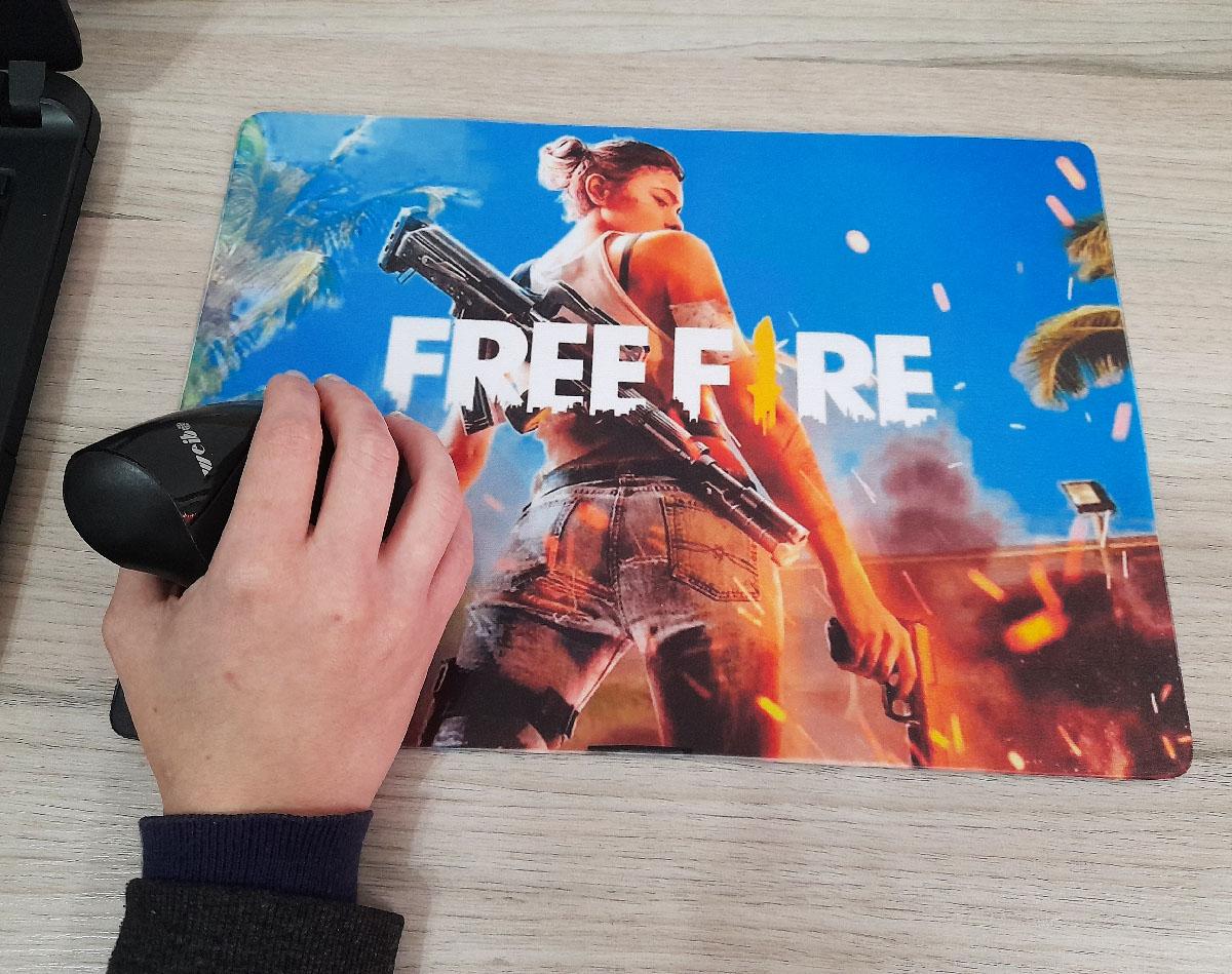 Mouse Pad Gamer FreeFire  25 x 35 cm + Suporte Celular personalizado