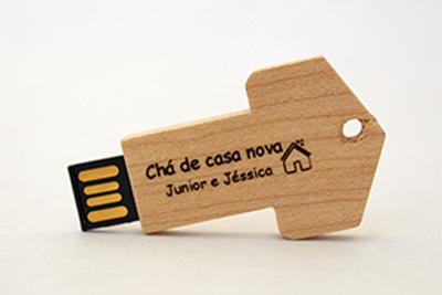 Pendrive chave de madeira personalizado - 10 peças - Ponta de Estoque