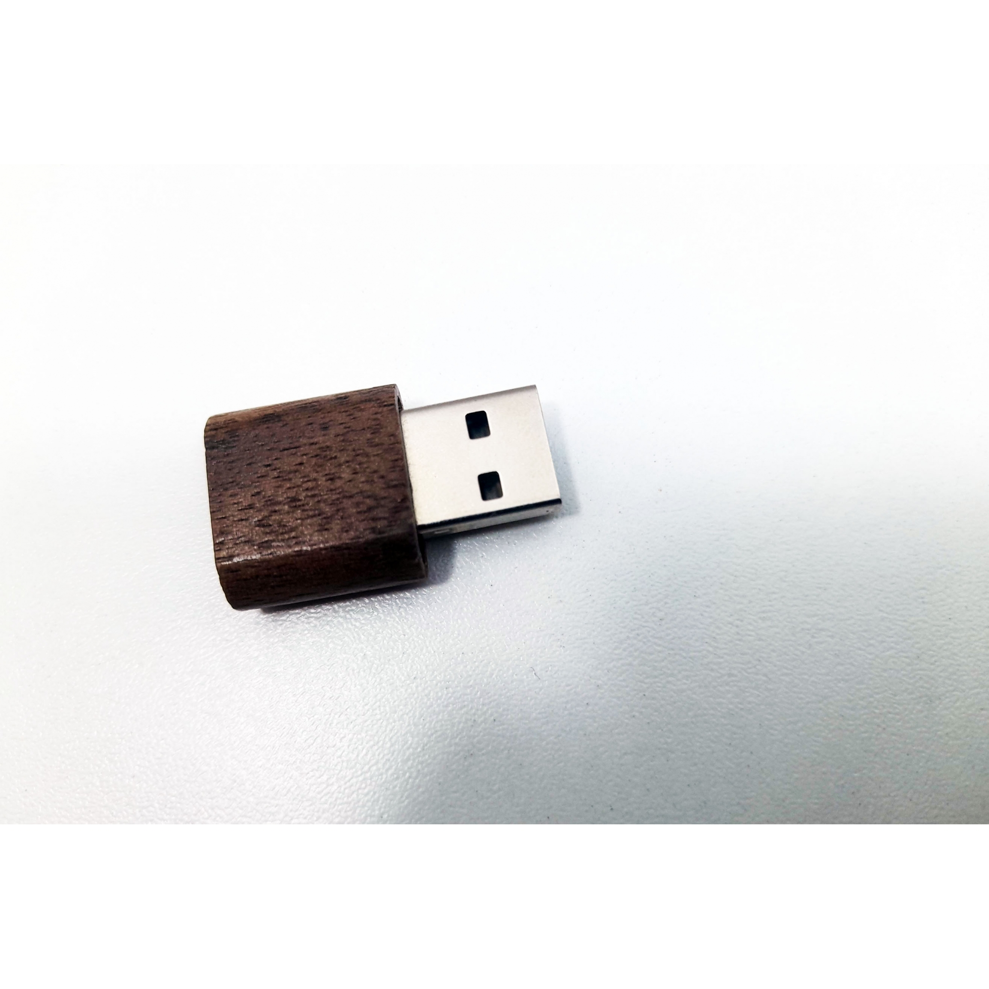 Pendrive Ecológico Fit Slim Dark de 8 GB - Linha rECOdrive