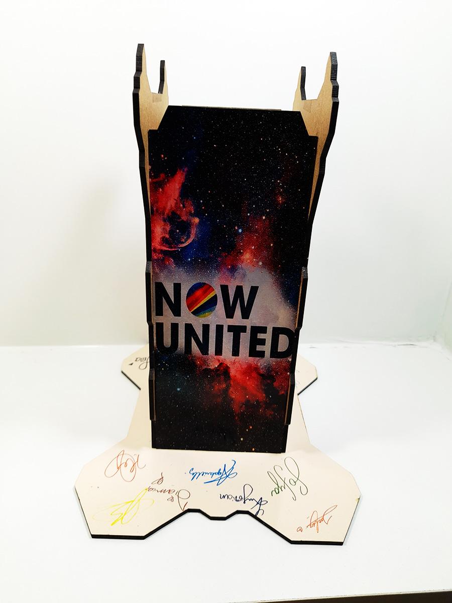 Suporte Personalizado Now United para Headset + Chaveiro
