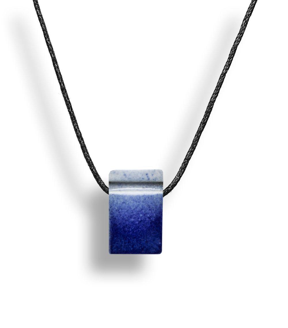 Colar Aromatizador Difusor Pessoal Poliedro Azul Ortega