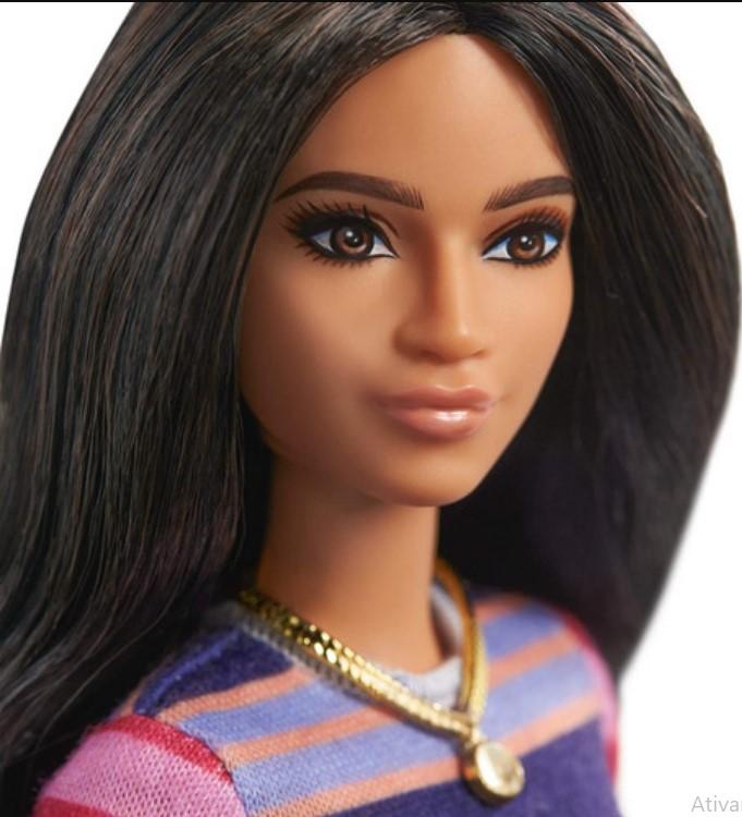Boneca Barbie Fashionistas Morena 147 Mattel