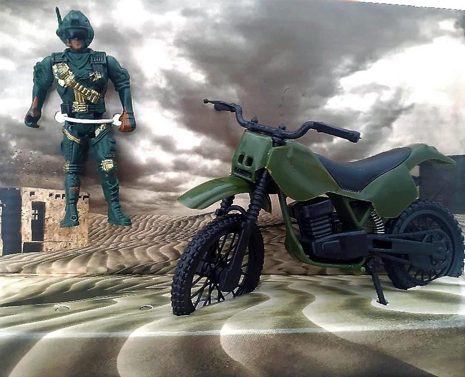 Boneco Soldado Com Moto Polícia Exército Sortido