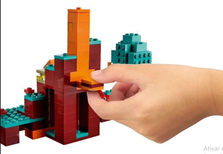 LEGO Minecraft - A Floresta Deformada-21168
